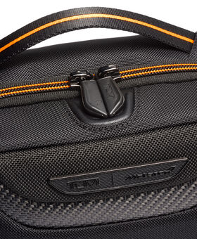 Teron Toilettas TUMI | McLaren